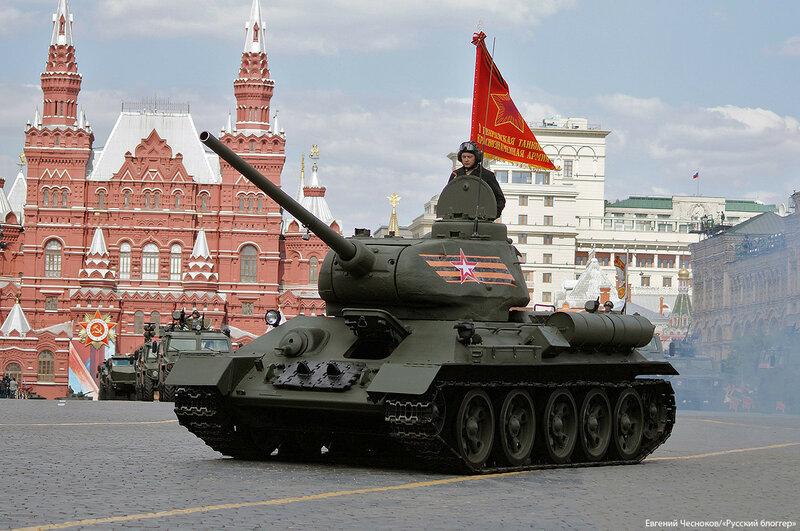 Весна. Парад реп. танк Т 34. 07.05.16.02..jpg