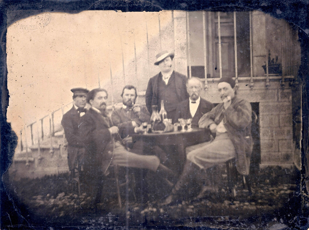 Vincent van Gogh Possibly Identified in Newly Discovered Group Photo of Famous Artists from 1887 (2 pics)