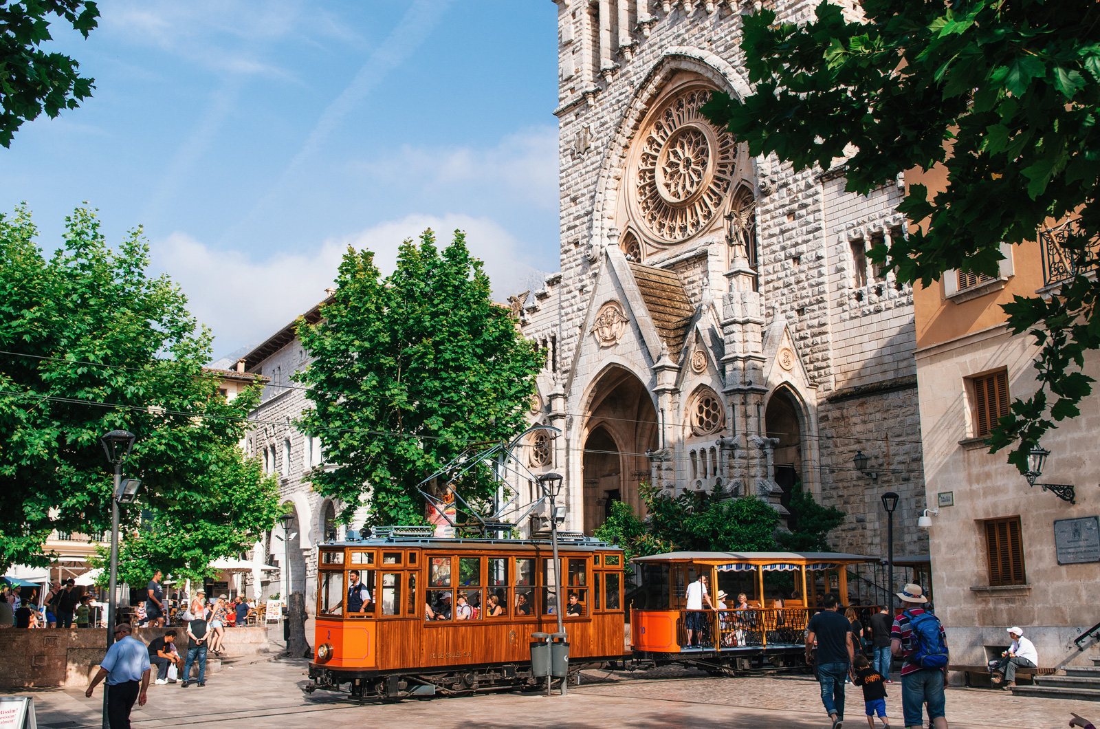 Центр Сольера, поезд в Пальму, трамвай в Порт-де-Сольер, Майорка