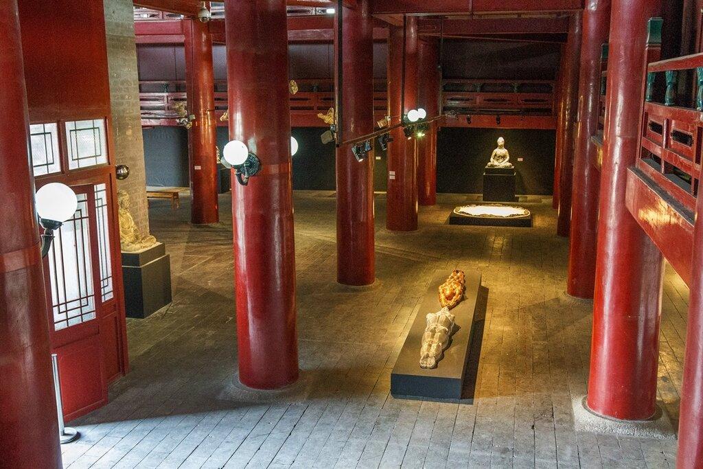 Выставка на первом ярусе сторожевой башни