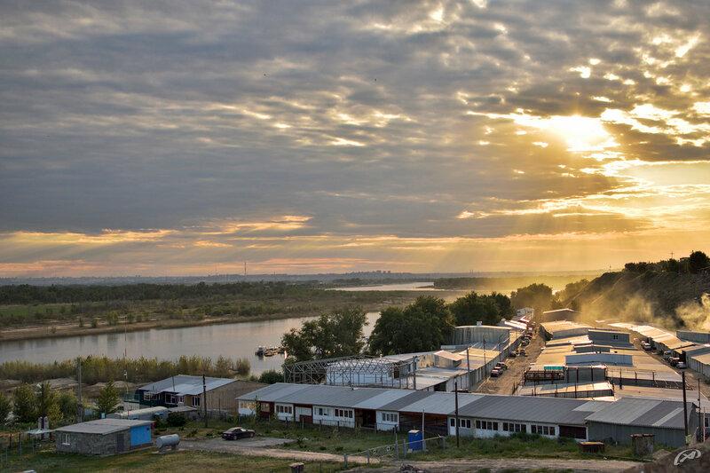 г. Волжский, гаражи на берегу реки Ахтуба