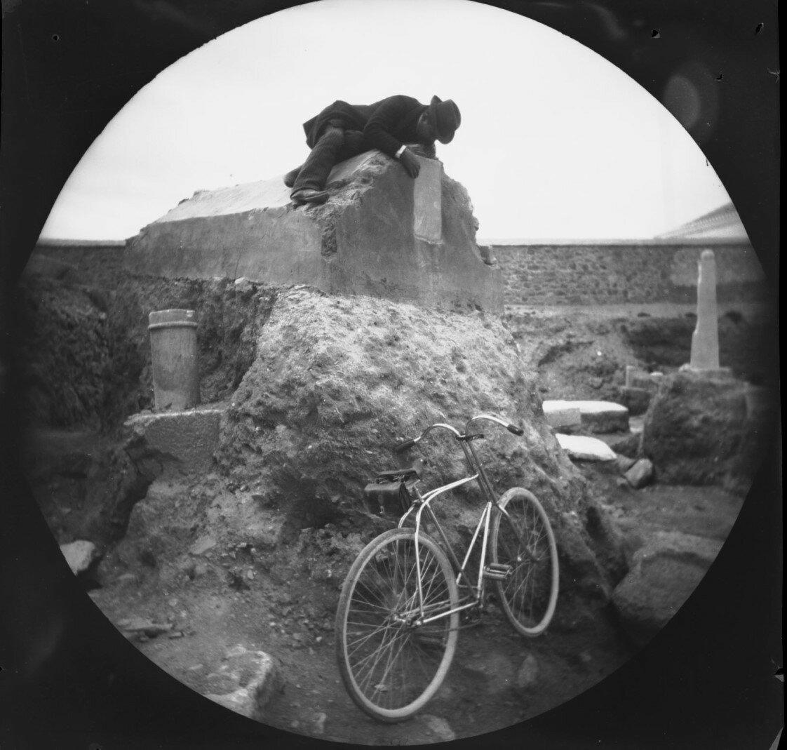 Улица гробниц. Серопе Гурджиян расшифровывает надпись на римском саркофаге