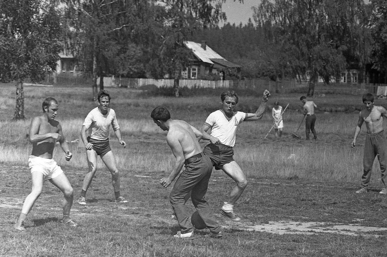 248. Футбол