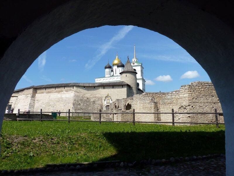 Псков. Прогулка по Псковскому Кремлю. Кром и Довмонтов город