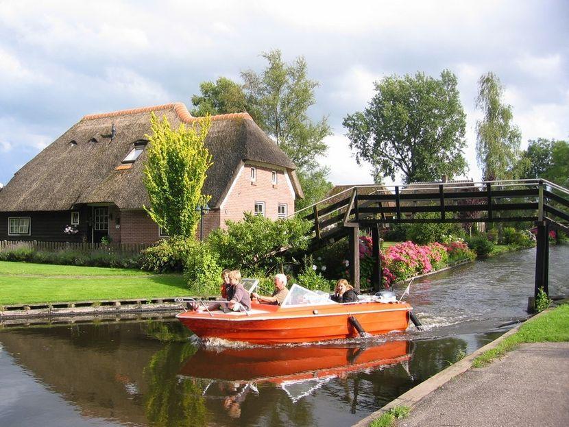 Деревня Гитхорн была основана в 1230 году небольшой группой беженцев с юга страны. Когда они нашли э