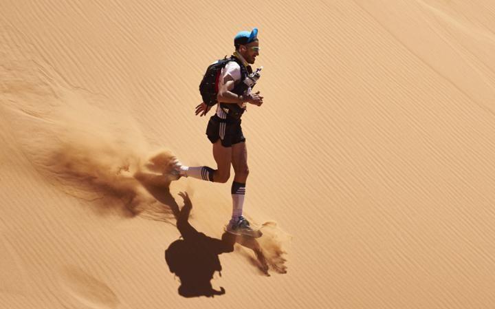 Марафон в пустыне Сахара: сложнейшая гонка на выносливость в мире (14 фото)