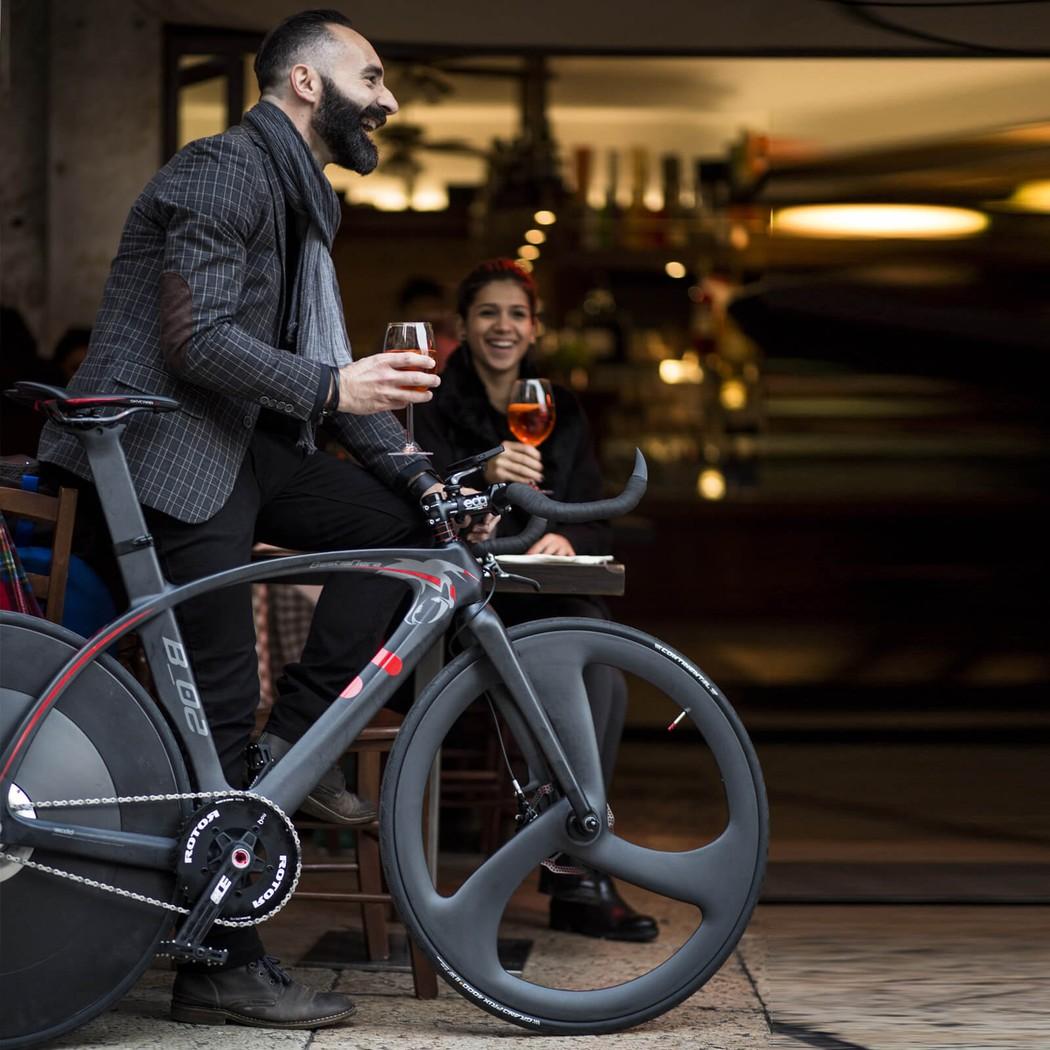Велосипед BestiaNera Hybrid Bike для спортсменов и не только. В конструкции байка была использована
