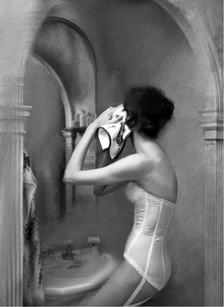 В 60-х годах прошлого века Лилиан Бассман ушла из модельного мира вместе с мужем, когда требования к