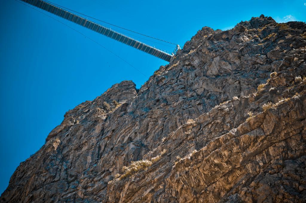 Длина моста — 384 метра. (David Hunt)