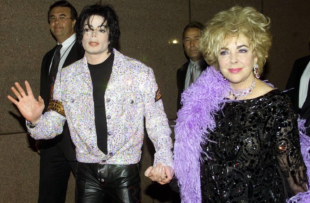 Элизабет Тейлор и Майкл Джексон прибывают на концерт в честь 30-летия творческой карьеры Джексона 7