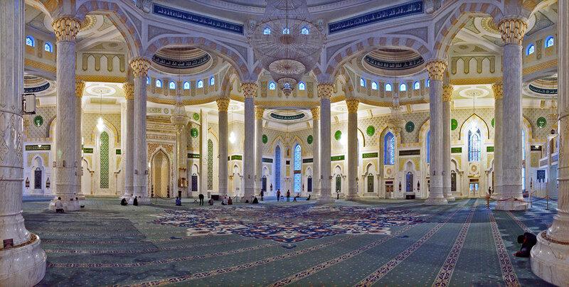Большой молебный зал