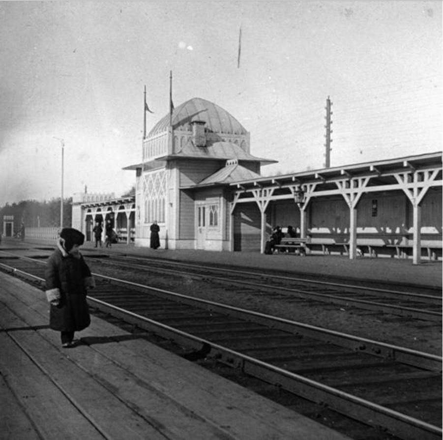 Железнодорожная станция Новогиреево