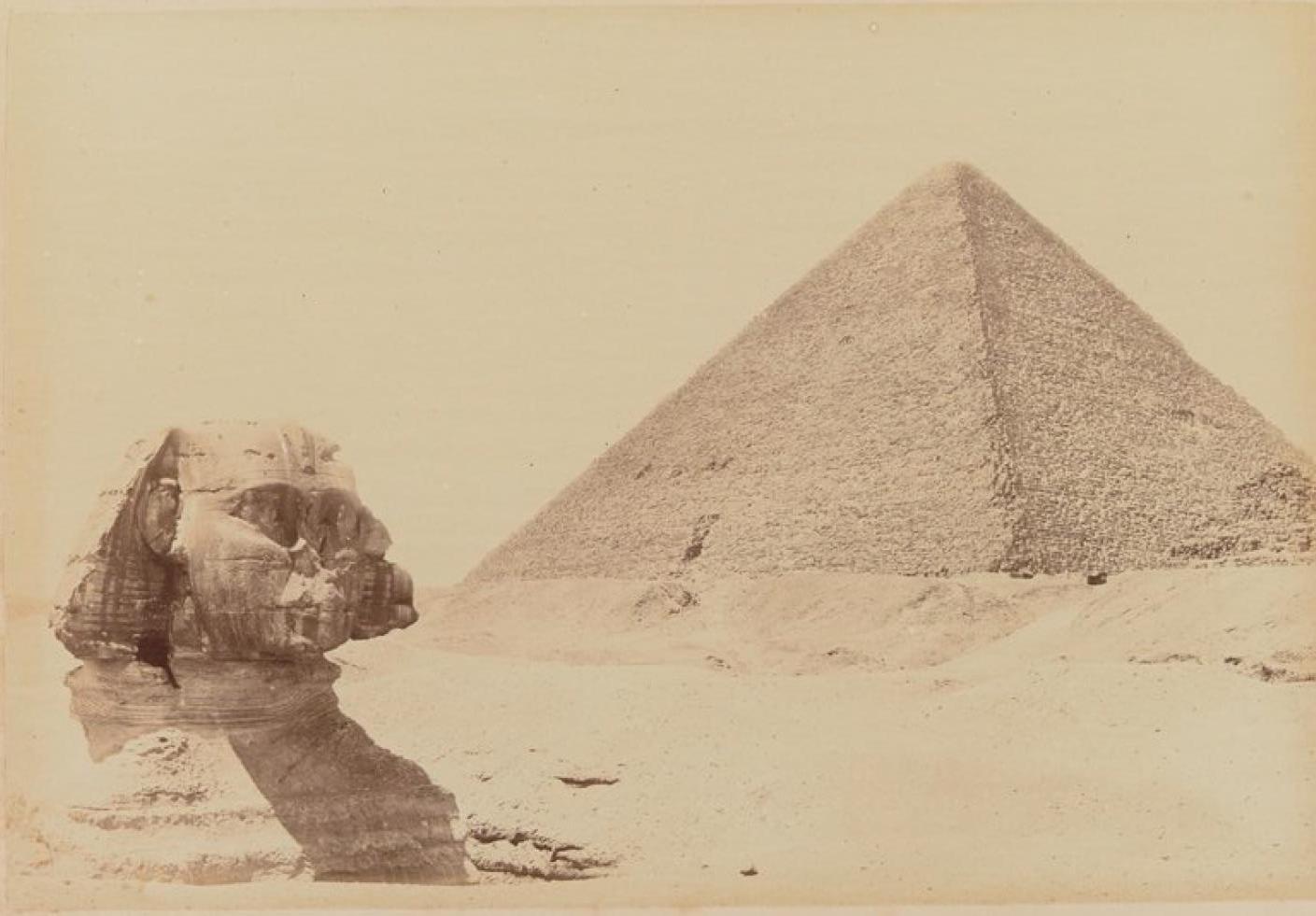 Сфинкс и пирамида Хеопса