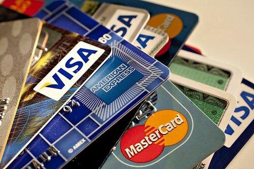 В Молдове в 2015г сократилось число банковских карточек