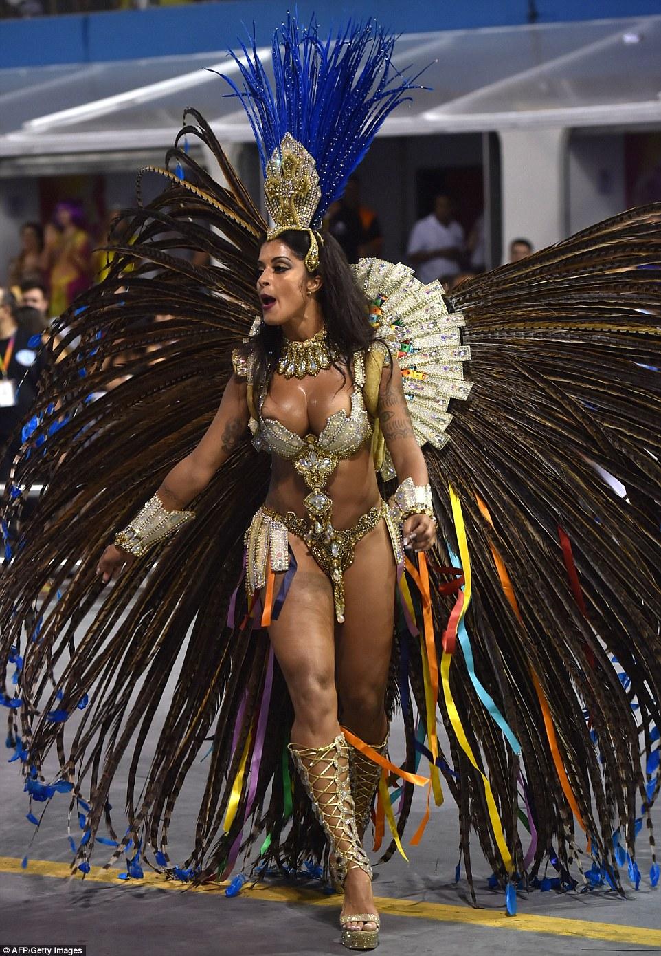 Смотреть оргии карнавала рио порно онлайн