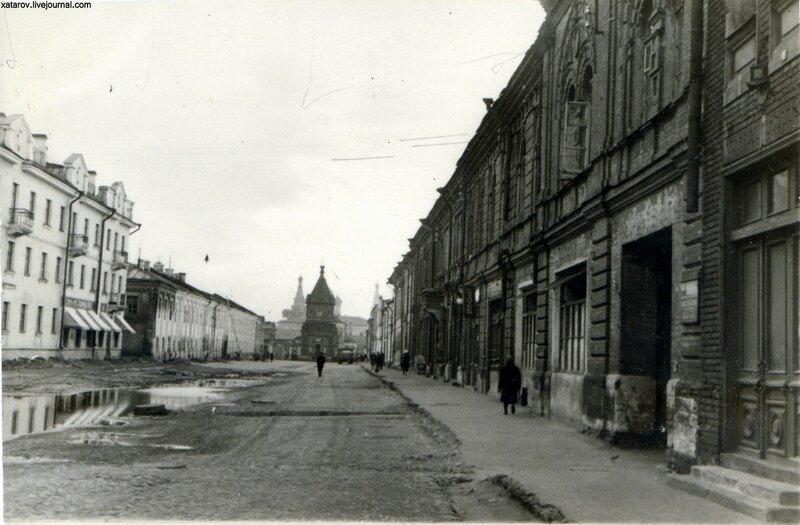 Одна из улиц в Ярославле.jpg