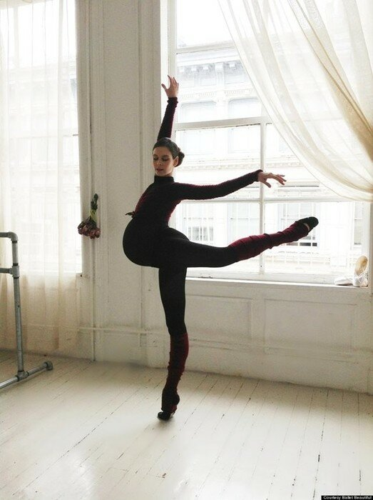 Фото беременной балерины и тренера по фитнесу Мэри Хелен Бауэрс