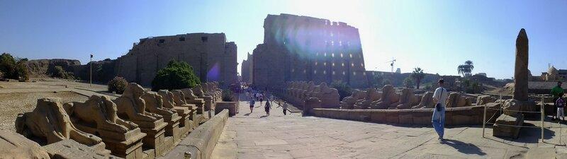 Вход в Карнакский храм