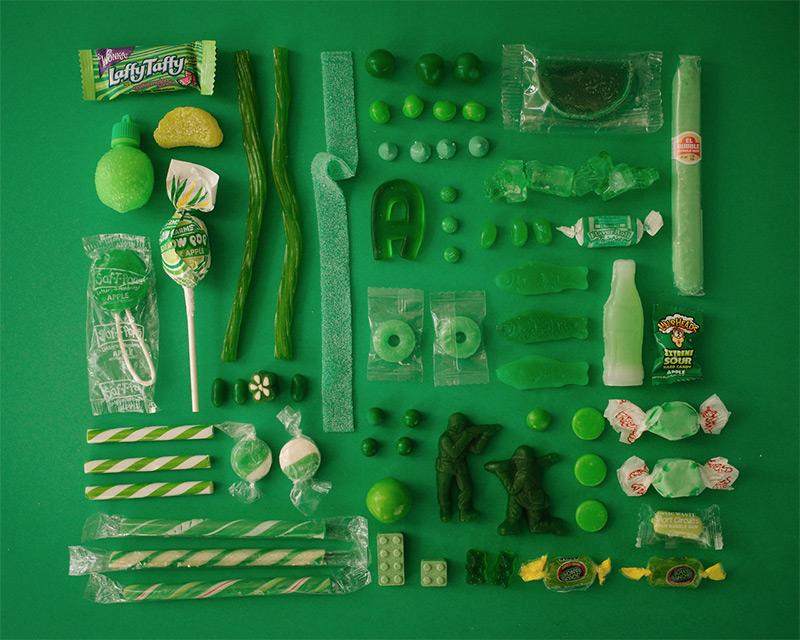 Цветовая палитра из конфет от Эмили Блинко