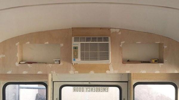 Таким уютным автобус стал, когда все ремонтные работы в нем закончились