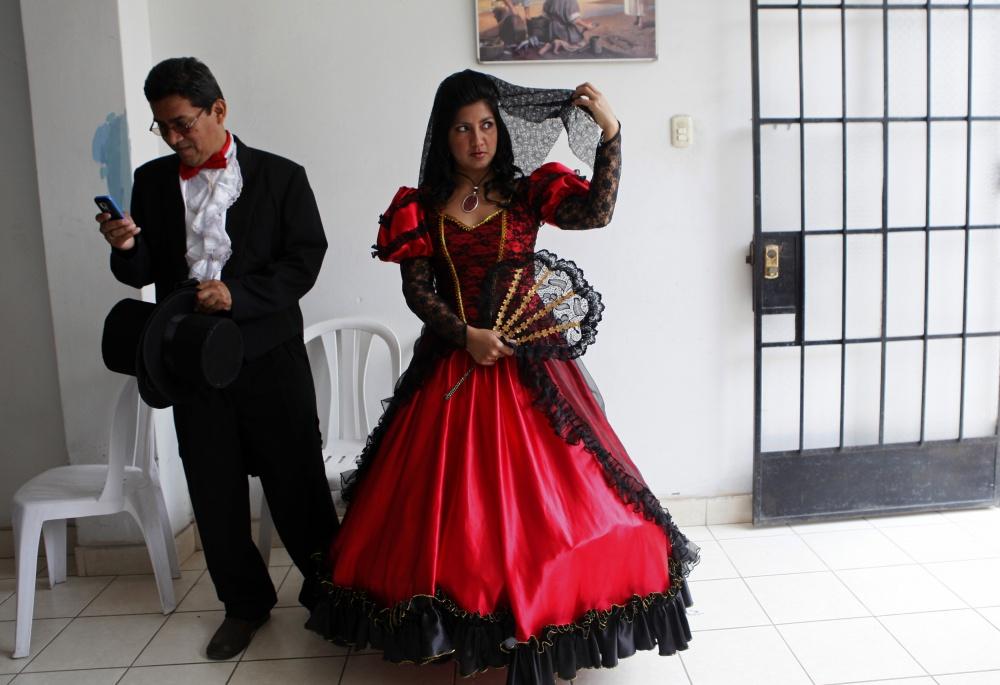 традиционные-свадебные-платья-фото12.jpg