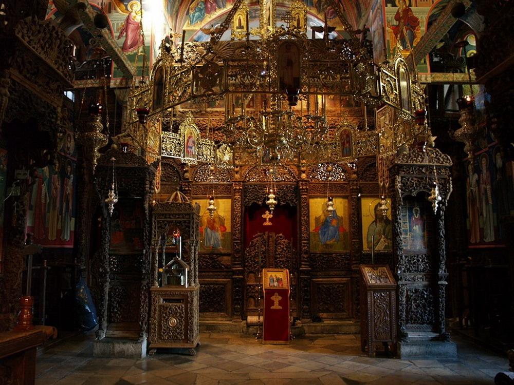 3-Монастырь Святого Стефана. Внутри храма.jpg