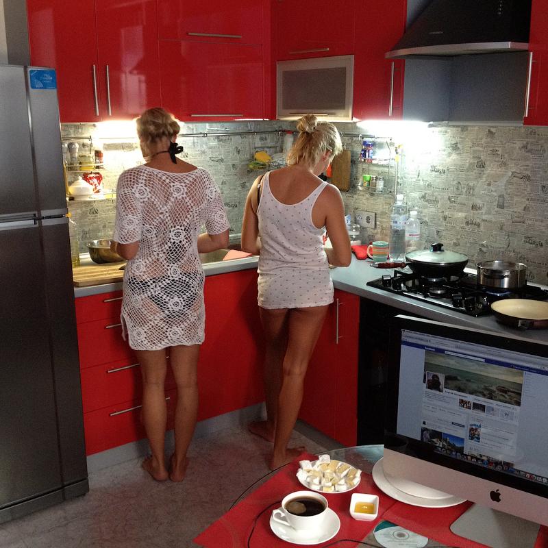 Должна ли женщина готовить