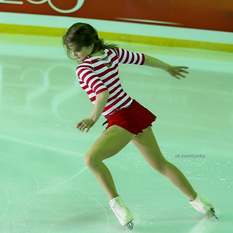 Юлия Липницкая - 4 - Страница 5 0_a0a6d_8abf874e_XL