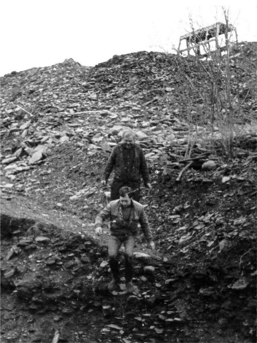 90. Владимир Высоцкий и Борис Барабанов спускаются по склону. Фото Сергея Геннадьевича Зимина, 17 июня 1976 года