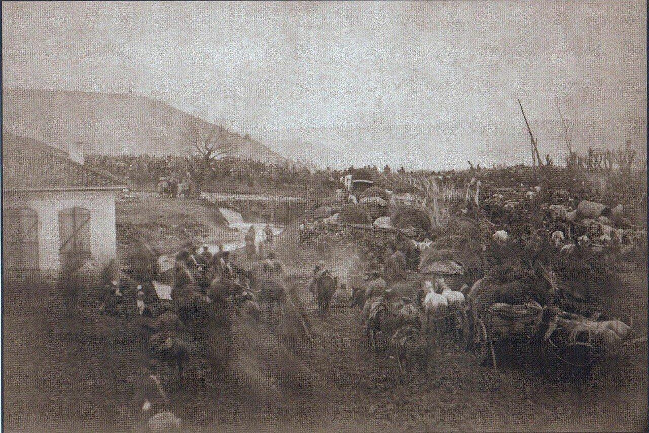 30. Переход русских войск на пути в Плевну. На заднем плане - место, куда 10 декабря 1877 года Осман-пашой был нанесен главный удар