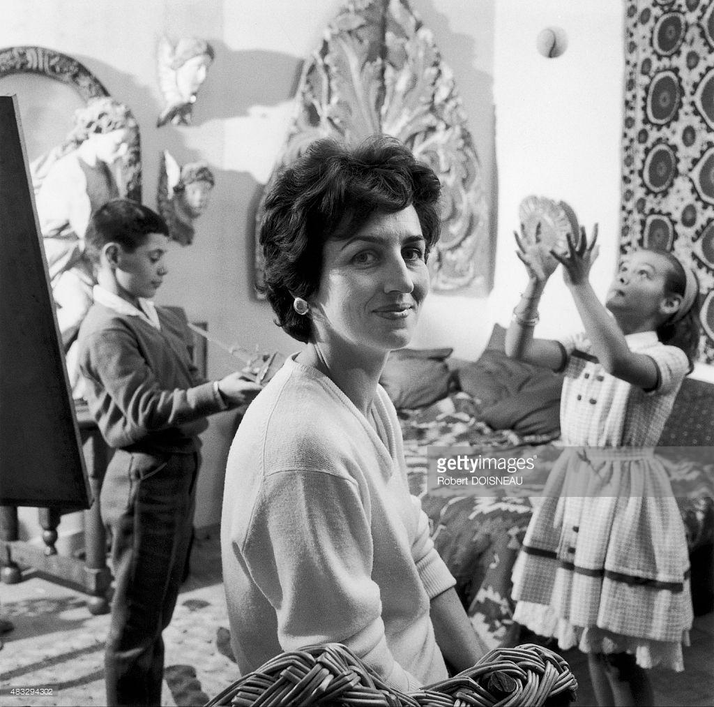 1950-е. Франсуаза Жило, жена Пикассо с детьми