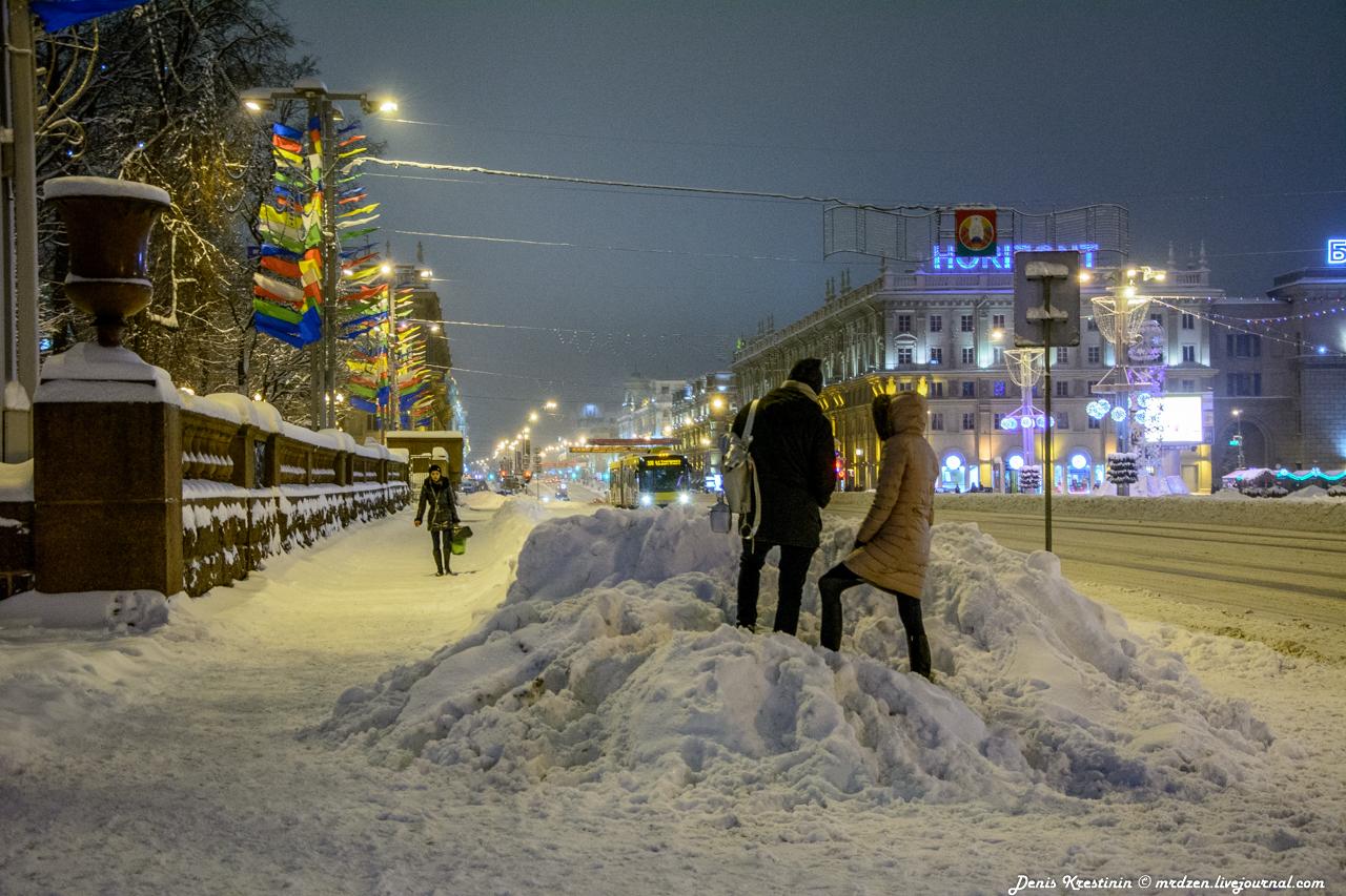 Минск. Даниелла. Станция метро Октябрьская