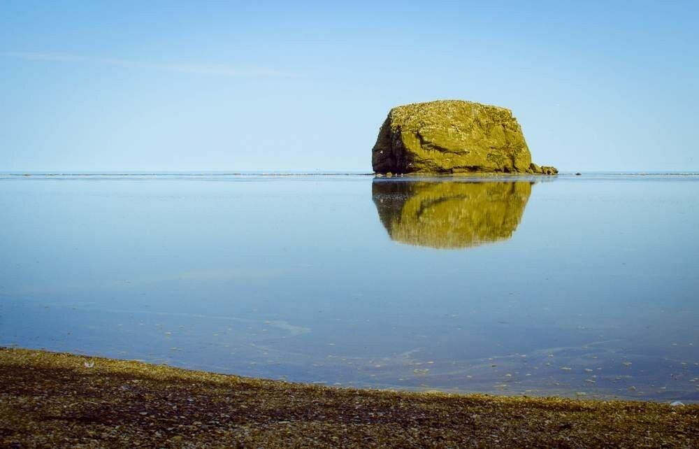 остров Заметный,  бухта Тихая.jpg