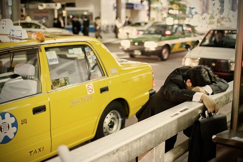 Фотопроект Адриана Стори: спящие на улицах Токио 0 1c59f4 da75f7fe XL