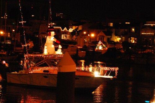 Снеговики на яхте