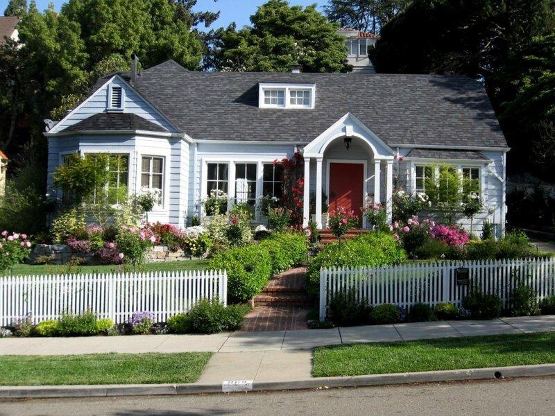 front-yard-rms_cottage-style-garden-ebboy-05_s4x3.jpg.rend_.hgtvcom.1280.960.jpeg