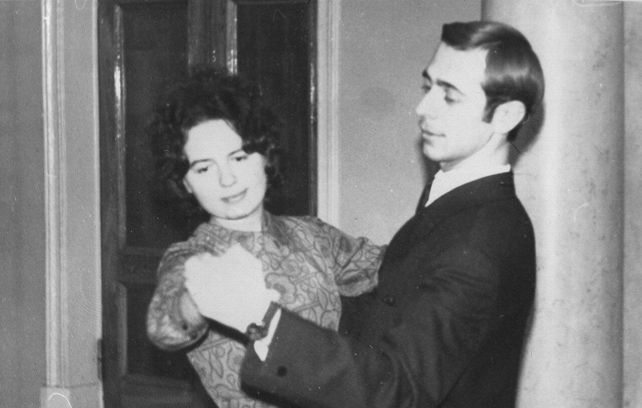 1971. Боря Царьков со своей партнёршей Ковеленовой на занятиях в СТК МЭИ