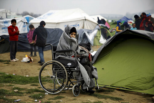 Власти Греции эвакуируют лагерь мигрантов у Идомени