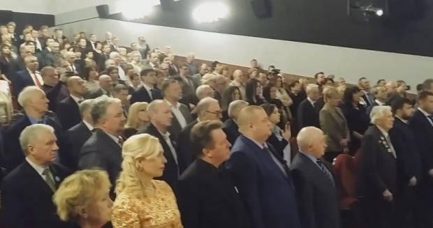 """""""Знаете, каким он парнем был?"""": Кобзон в Москве поднял зал в память о Моторолу (фото, видео)"""