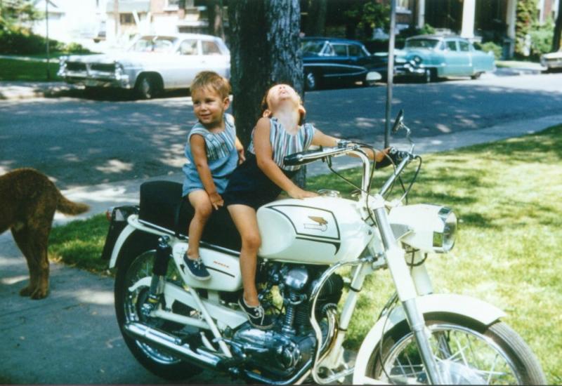 Summer1966_Ted&KevinOnMichaelsDucatiMonza250_1000x688.jpg