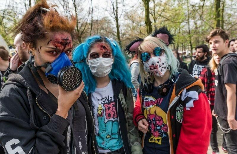 Окровавленные зомби в Брюсселе на фестивале фантастики 0 16078e 7a9cde23 XL