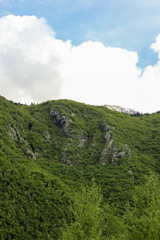 Вид на гору с нижней точки фуникулёра