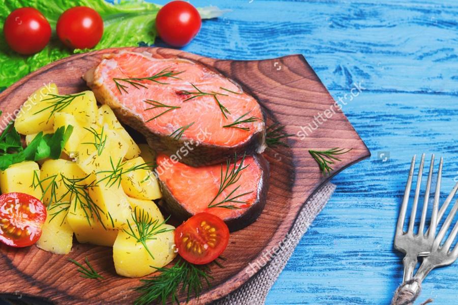 Картошка по деревенски с красной рыбой