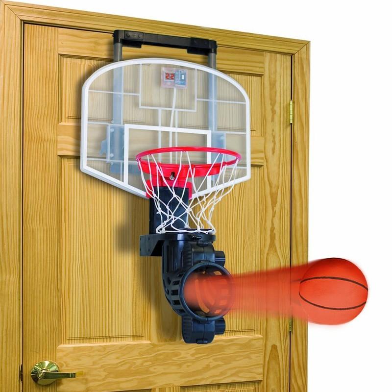 12. Баскетбольное кольцо Мини-баскетбол для спальни. Можно бросать мячи прямо из постели.