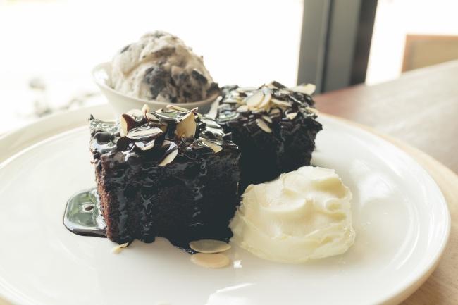 Ингредиенты: 100г сливочного масла 45г горького шоколада 60г порошка какао 1ст. сахара 1/4ч.л.