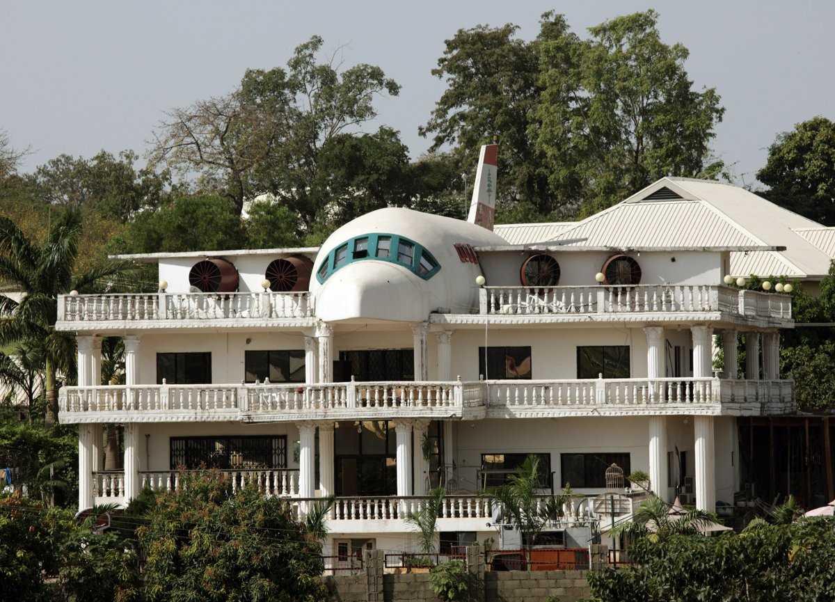 Этот дом в деревне Мизиара на севере Ливана напоминает Airbus A380.