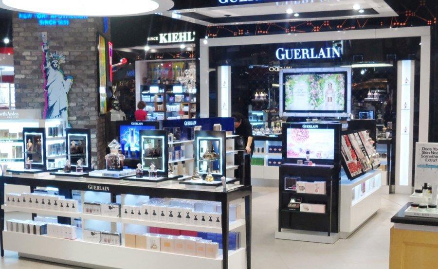 3. Вена Парфюмерия Дьюти-фри венского аэропорта демонстрирует приятное разнообразие парфюмерных мага