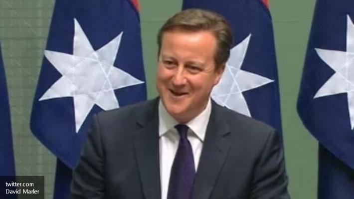 Дэвид Кэмерон забыл выключить микрофон, иего пение услыхали все