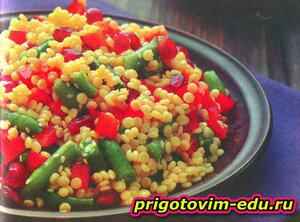 Салат с перцем и кускусом