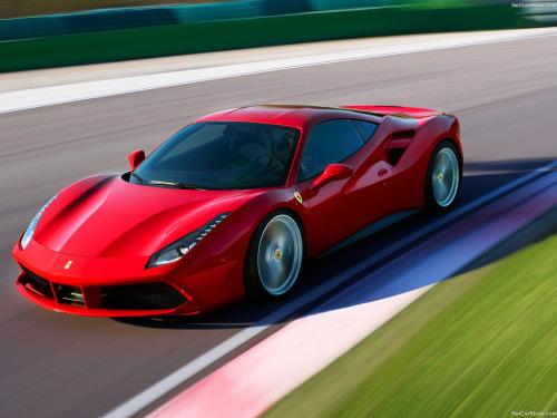 красный Феррари 488